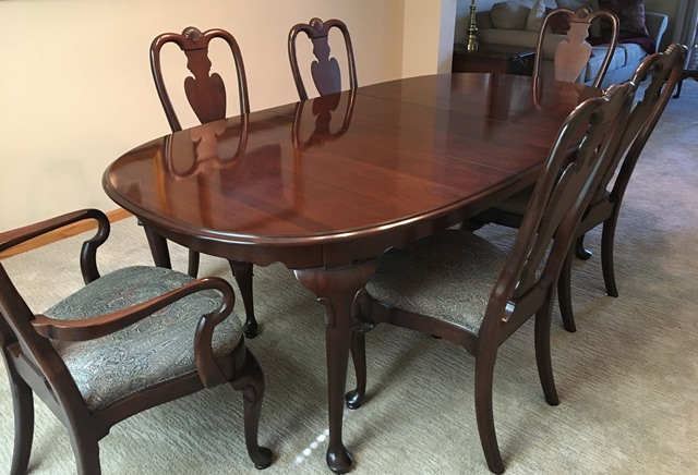 Ethan Allen Georgian Court Queen Anne Dining Table With 6